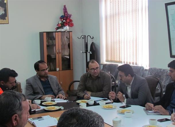 بررسي مشكلات حوزه هاي راه و مسكن در بخش مركزي