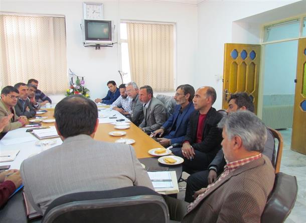 جلسه دهياران و روساي شوراهاي اسلامي بخش مركزي در حوزه كشاورزي